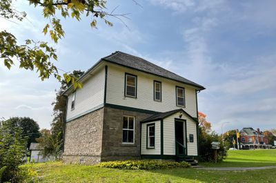 Defensible lockmaster's house, Old Combined Lock 28, 29 & 30, Smiths Falls