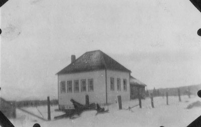Old Hamilton Lake School, circa 1913