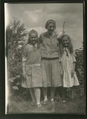 Clara, Emma, and Violet Epple