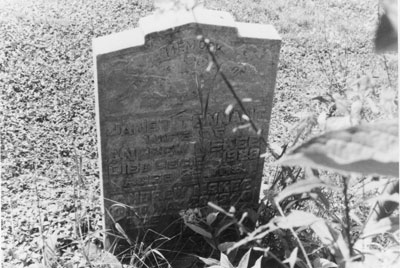 Tombstone of Janet Tennant and Andrew Meke