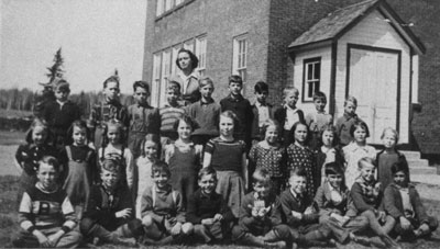 Miss Knees Grade 2 & 3 Class Photograph, circa 1940