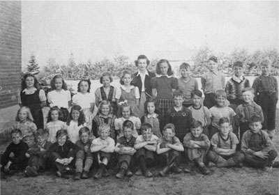 Miss McBeth's Grade 4 Class, 1948