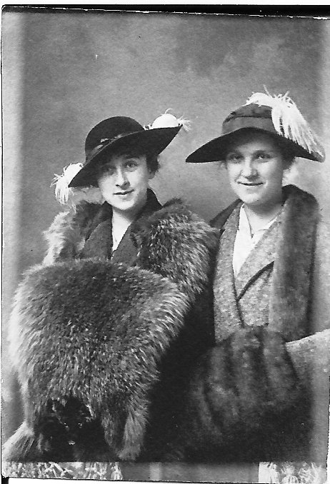Thought to Be Eva Biggar and Luena Conover