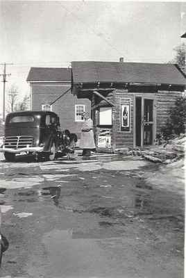 View of the Original Trafalgar Township Hall and Ogden's Ice Cream Booth, pre-1949