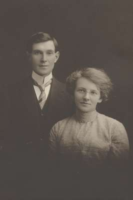 Will and Margaret Chisholm, 1910.