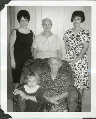 Mrs. Emma Scheurmann and Family, 1966