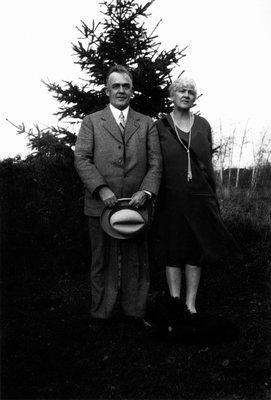 Mr. & Mrs. Fred Wright, ca.1918.  Leaskdale, ON.