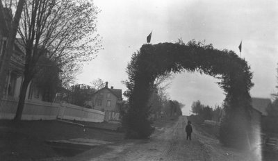 Chester under regiment arch, Leaskdale, ON., c. 1916