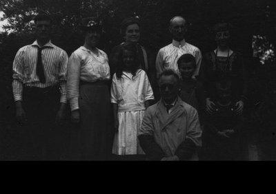 Macdonalds & Rev. Alonzo Smith & wife (unidentified 3rd couple) road trip Leaskdale-Whitby, ON., ca.1921.