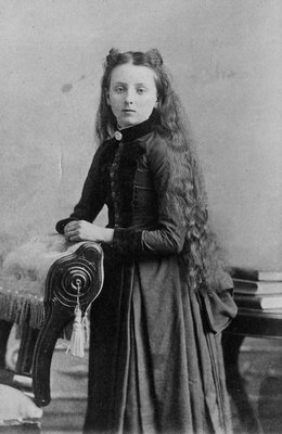 Lucy Maud Montgomery, Carte de visite.  Age 14.