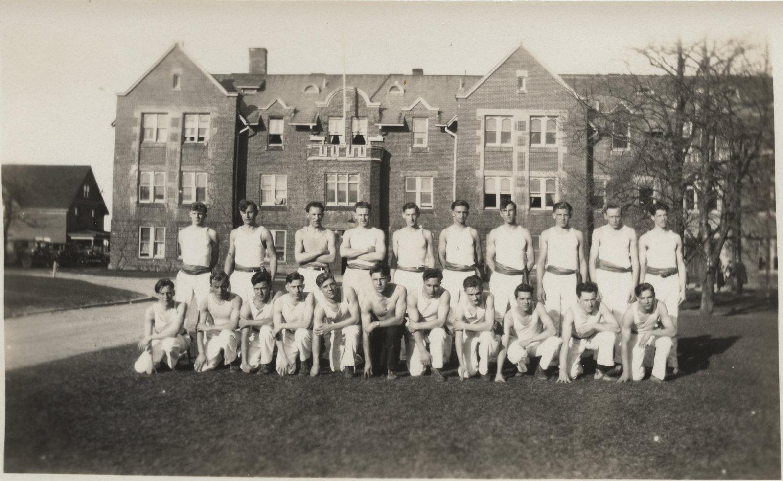 Waterloo College pyramid team, 1932