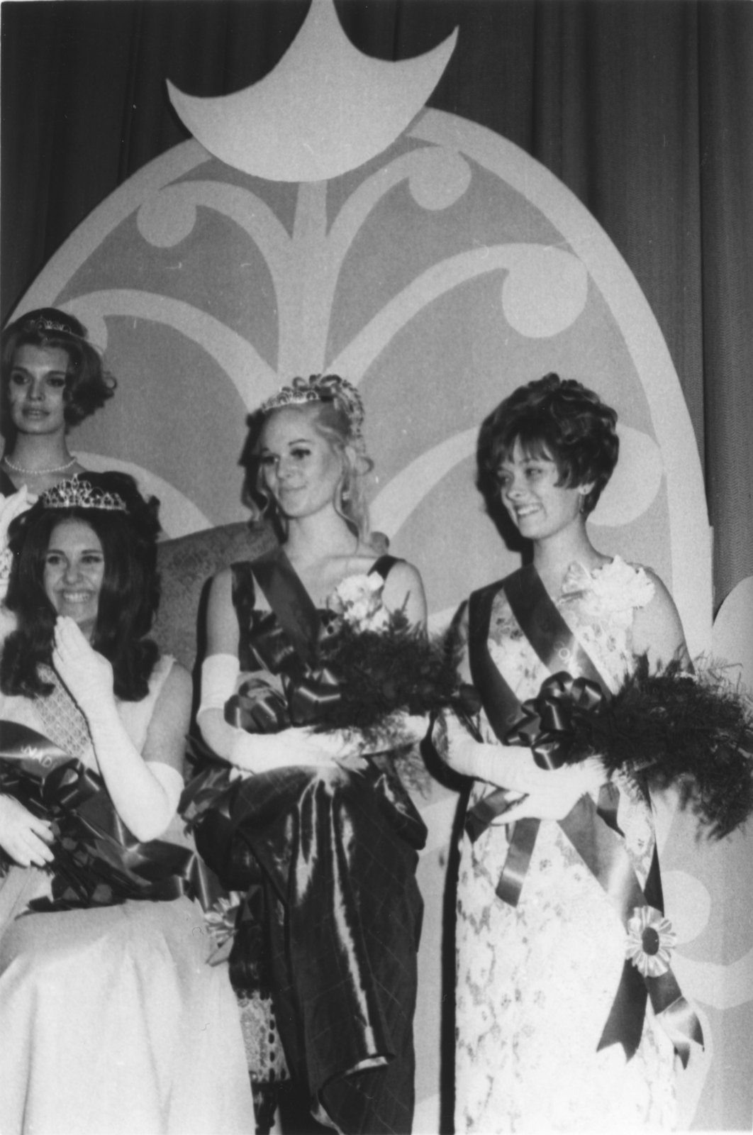 Miss Canadian University Queen Pageant finalists, 1969