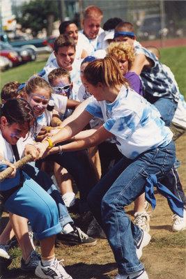 Tug-of-war during Wilfrid Laurier University Orientation Week, 2001
