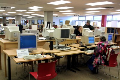 Students using computers in the Wilfrid Laurier University Library