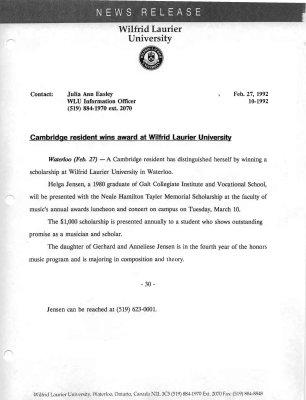 10b-1992 : Cambridge resident wins award at Wilfrid Laurier University