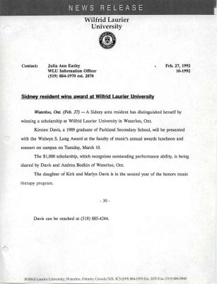 10l-1992 : Sidney resident wins award at Wilfrid Laurier University