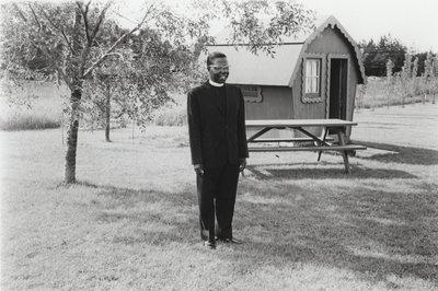 Roland Payne in Delton Glebe's backyard