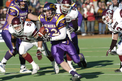 2004 Yates Cup game