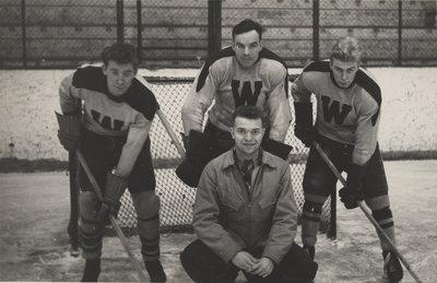 Waterloo College hockey players, 1949-1950