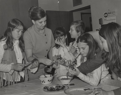 Sunday School students preparing a snack, St. Peter's Evangelical Lutheran Church, Cambridge