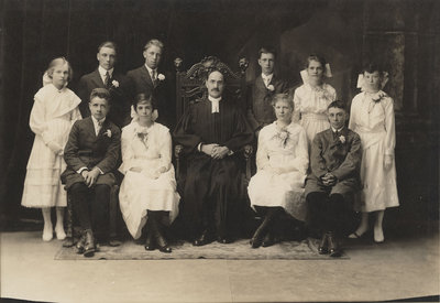 St. Peter's Evangelical Lutheran Church confirmation class, 1918