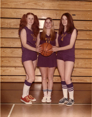 Wilfrid Laurier University women's basketball players, 1974-75