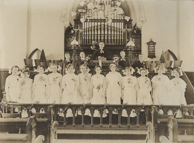 St. Peter's Evangelical Lutheran Church confirmation class, 1913