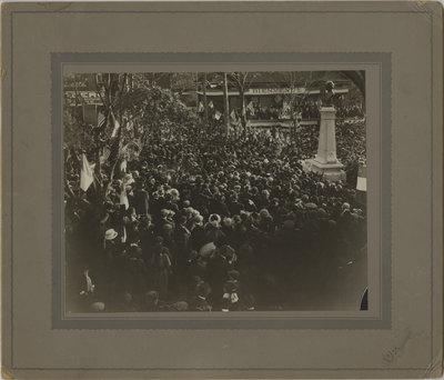 Unveiling of the Sir Wilfrid Laurier monument, Saint-Jean-sur-Richelieu, Québec, 1920