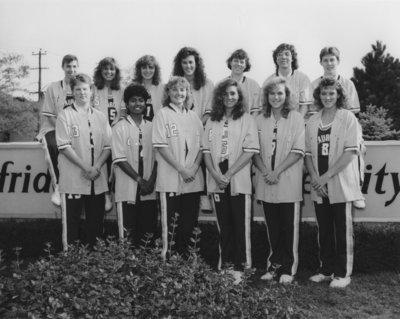 Wilfrid Laurier University Women's basketball team, 1988-89