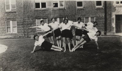 Women gymnasts in front of Willison Hall