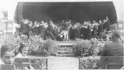 Choir performing during Lutheran rally at Waterloo Park, July 6, 1941