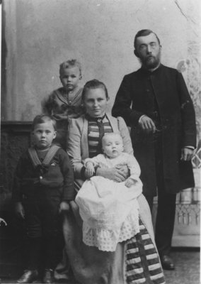 Rev. Henry Coelestin Schmieder and family