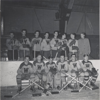 Waterloo College hockey team, 1953-54