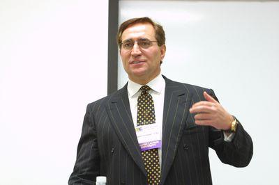 Robert Schlegel speaking to students during Alumni Awareness Week, 2002