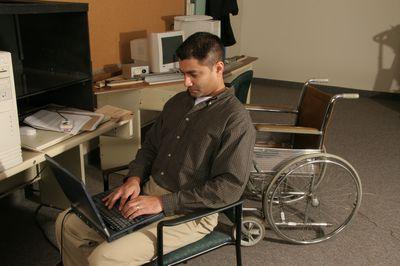 Quincy Almeida in kinesiology lab, 2005