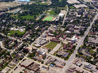Aerial view of Wilfrid Laurier University campus, 2003