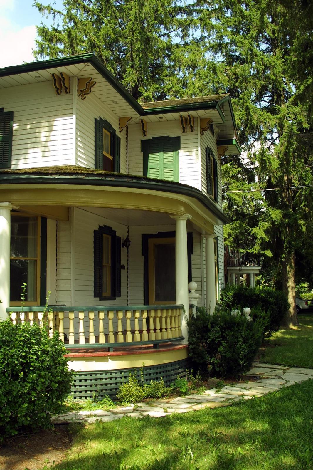 Lucinda House porch, 2002