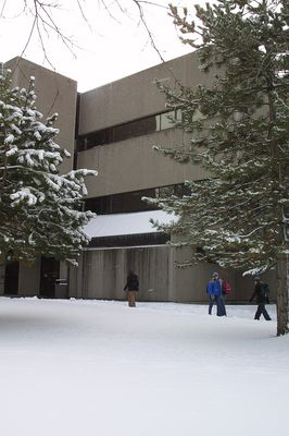 Students walking in front of Peters Building, 2002