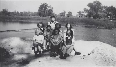 1946 Sunday School picnic, St. John's Lutheran Church, Waterloo, Ontario