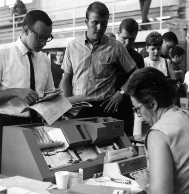 Student registration at Waterloo Lutheran University, 1968