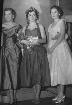 Waterloo College Campus Queen and attendants, 1955