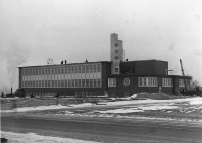 Construction of the Arts Building, Waterloo College
