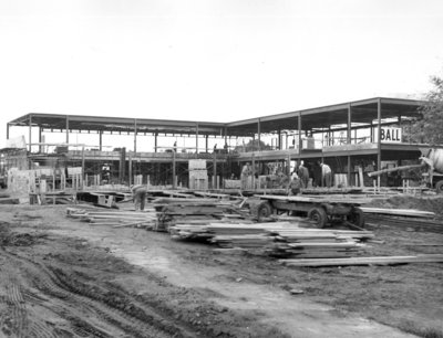 Construction of the Waterloo Lutheran Seminary building