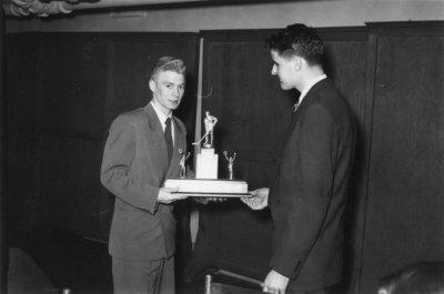 Dinkle Trophy presentation, 1950