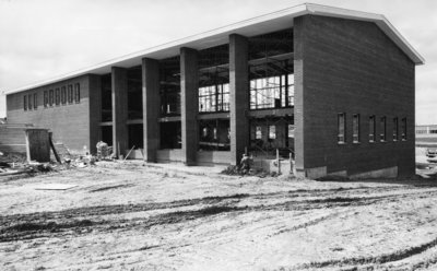 Construction of Dining Hall, Waterloo Lutheran University
