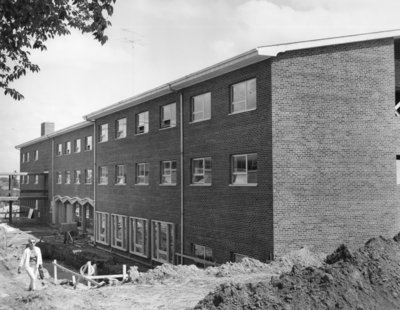 Construction of men's residence, Waterloo Lutheran University