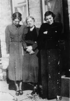 Clara and Peggy Conrad