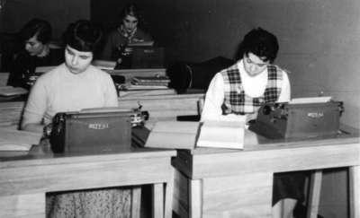 Secretarial science students, Waterloo College
