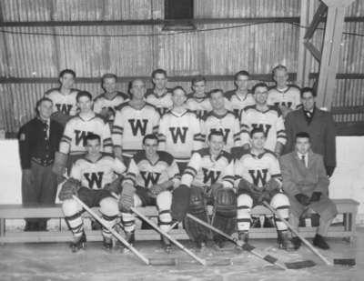 Waterloo College hockey team, 1955-56