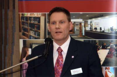Scott Hayter speaking at Wilfrid Laurier University Library donor event